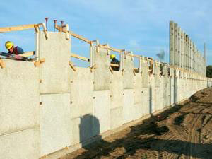 Ranger North crews are moving almost 3 million cu. yds. of earth and installing more than 400,000 sq. ft. of retaining wall on its SR-414 project in Orange County, FL.